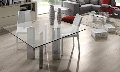 Mesa Kenia con estructura cromada con la parte superior de vidrio transparente de 15mm de grosor