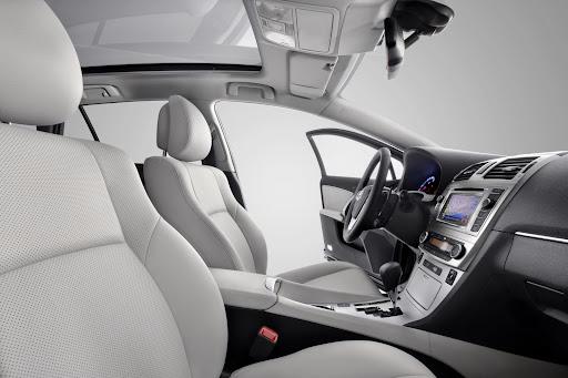 Toyota_Avensis-14.jpg