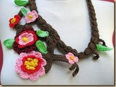 crochet necklace sakura