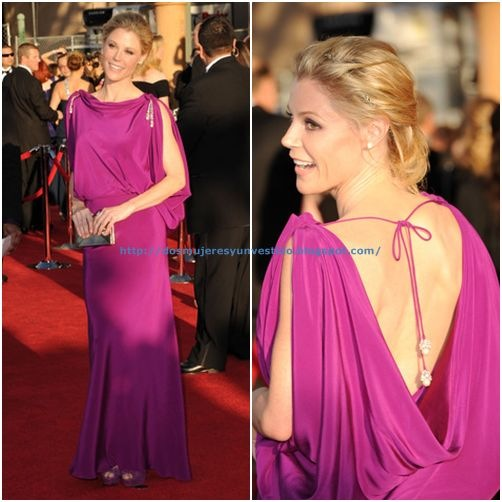 Julie Bowen arrives at the 18th Annual Screen Actors Guild Awards3