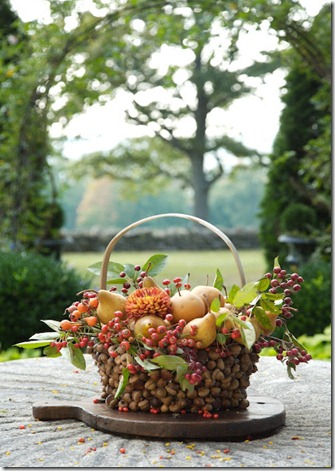 Fall basket, acorns, Styling baskets, fall floral arrangement, acorns,DIY