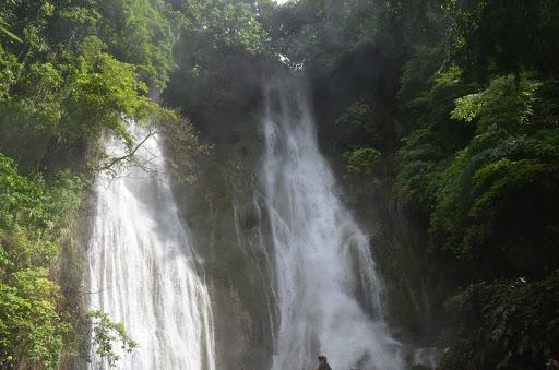 cascade-falls-vanuatu - Cascade Falls on Vanuatu.