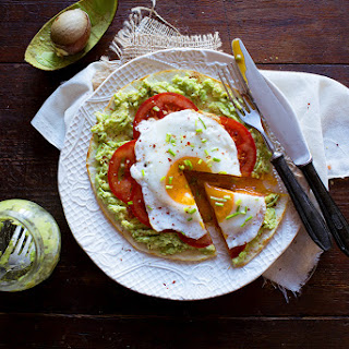 Pita With Avocado And Fried Egg A'la Fast Breakfast Pizza.
