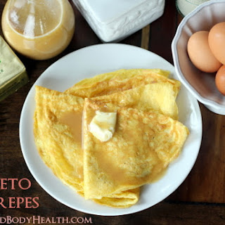 Keto-Crepes with Keto Syrup.