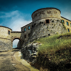 Torriana Castle by Andrea Magnani - Buildings & Architecture Public & Historical ( old, andrea magnani, castle, torriana, architecture )