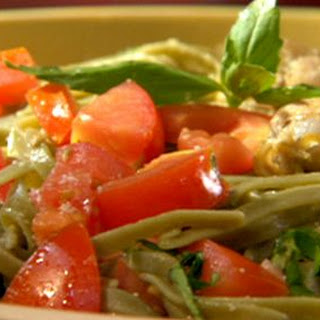 Spinach Fettuccine with Clam-Butter Sauce and Diced Tomatoes