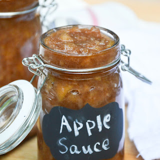 Slow Cooker Cinnamon Applesauce