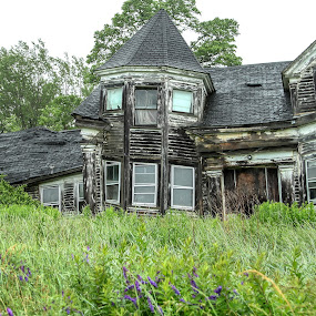 Moved Out by Sharon Horn - Buildings & Architecture Decaying & Abandoned ( abandoned home, maine, decaying house, house, abandoned house, decay, abandoned )