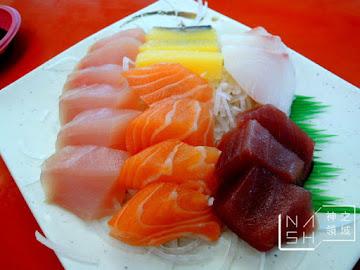 布袋漁港觀光魚市