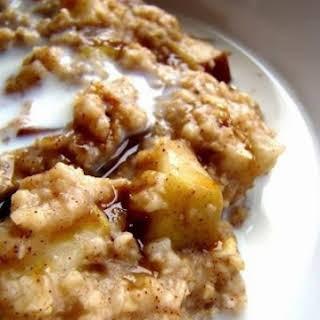 Crock Pot Apple Crisp Oatmeal.