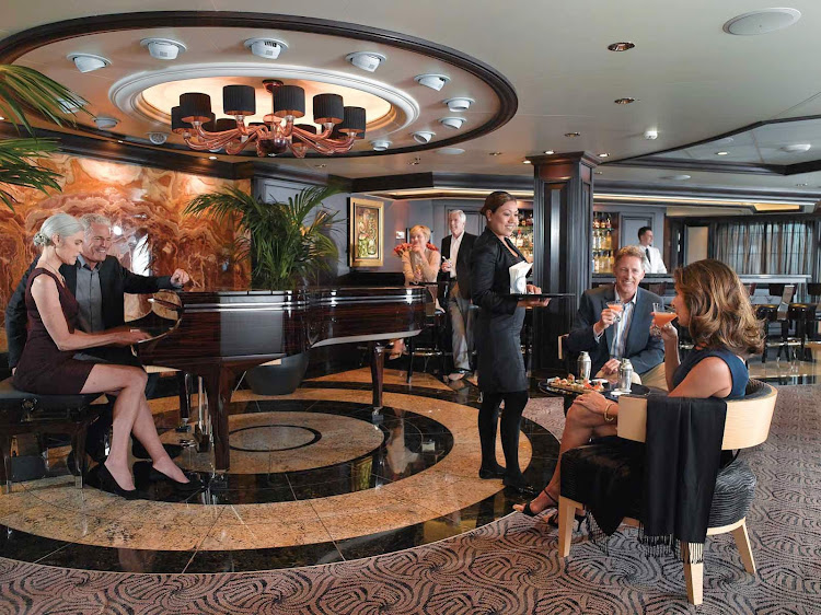 You'll be entertained by the live piano in the sophisicated Martini Bar of Oceania Marina.