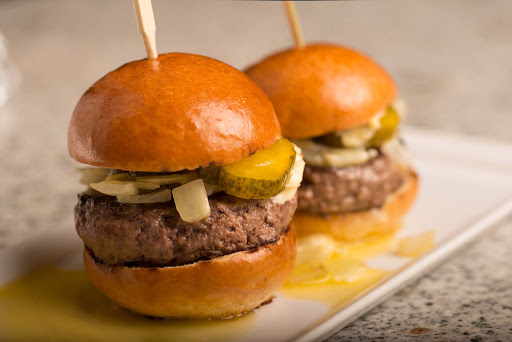Culinary-Experiences-Crystal-Serenity-Tastes-Burgers - Famished? Find mouth-watering burgers at Tastes Bar & Restaurant on Crystal Serenity.