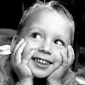 by Alexandru Ciornea - Babies & Children Child Portraits ( black and white, b&w, child, portrait )