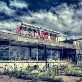 Closed by Dave Zuhr - Buildings & Architecture Decaying & Abandoned ( stop, truck, closed, d_zuhr, restaurant, dzuhr, diner )