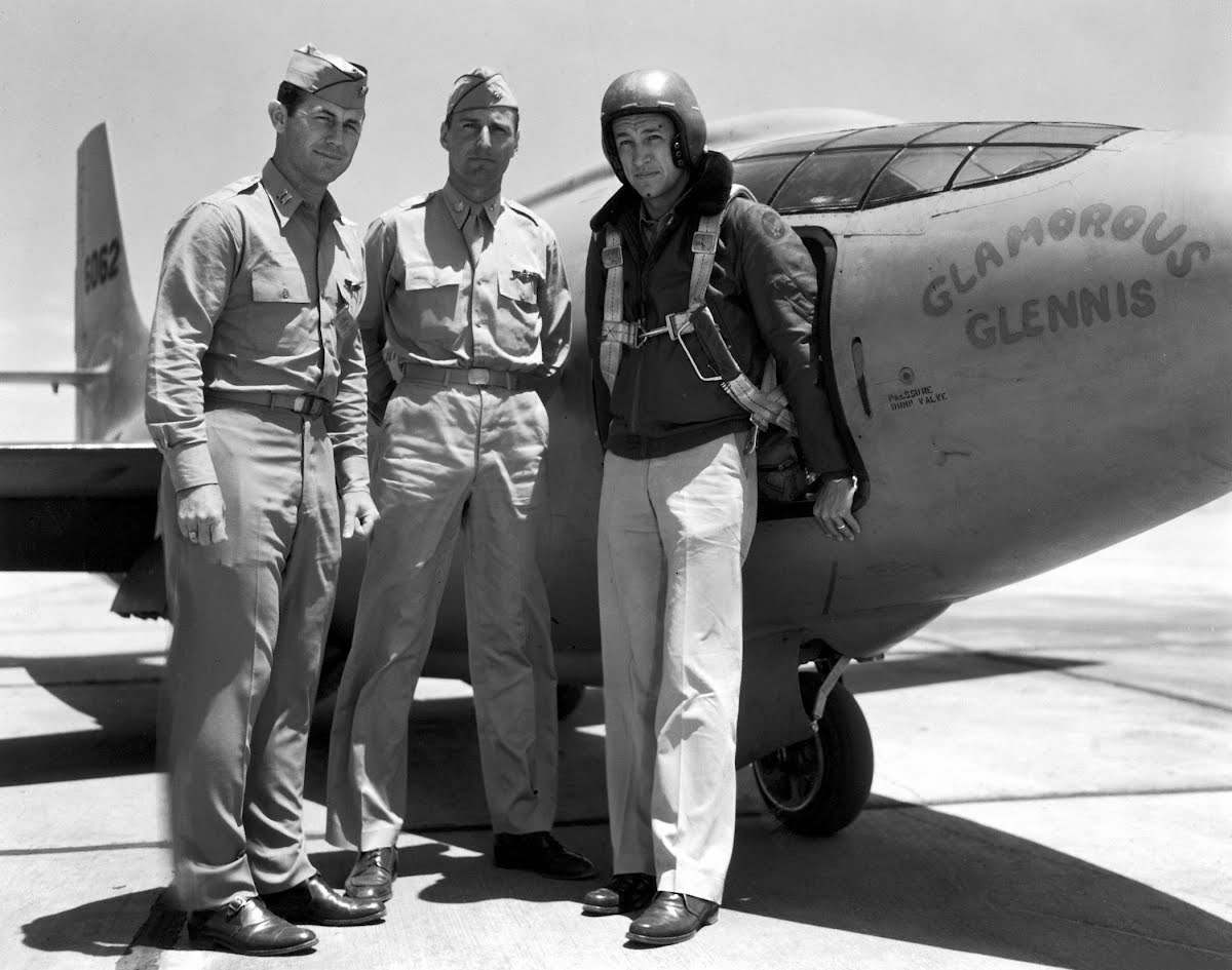 a biography of charles e yeager an american pilot
