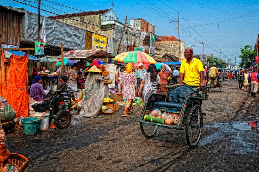 Tukang Becak by Herry Wibowo - People Professional People