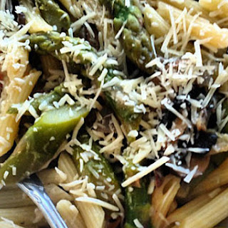 Penne with Asparagus and Mushrooms