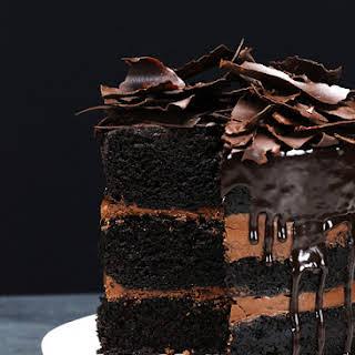 Rustic Chocolate Cake with Ganache.