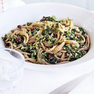 Spaghetti With Spinach & Walnut Pesto