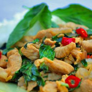 Thai Stir-Fried Basil Pork (Gaprao Moo Kai Daao)