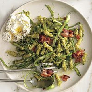 Arugula Pesto Pasta with Ricotta and Bacon Recipe