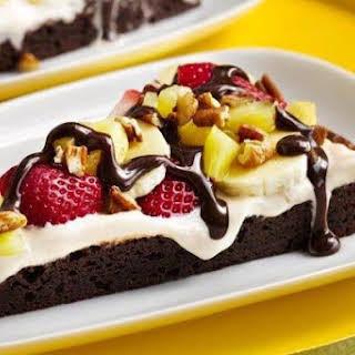 Banana-Berry Brownie Pizza.