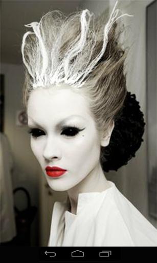 万圣节化妆。