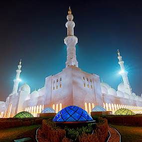 Lightfest by CJ Cantos - Buildings & Architecture Places of Worship ( religion, landmarks, colorful, colors, artistic, buildings, holy, abu dhabi, grandmosque )