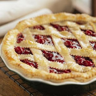 Old-Fashioned Latticed Cherry Pie