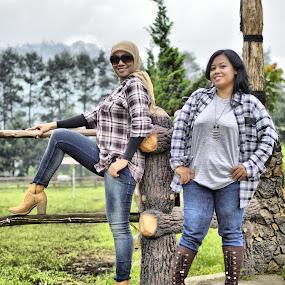 Cowgirls by Pak'de Blangkon - People Fashion ( pose, cowgirls, fashion, d'ranch, lembang, outdoor, boots, photography, bandung )