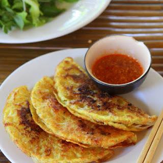 Vietnamese pork & shrimp sizzling crepes (Bánh xèo)