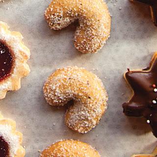 Vanillekipferl (Anise-Seed Crescent Cookies)