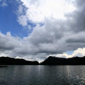 Keindahan Telaga Ngebel Ponorogo by Supri Yanto - Landscapes Mountains & Hills