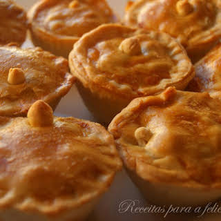 Chicken Pies with Saffron.