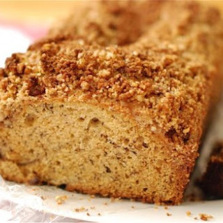 Banana Bread with Cinnamon Pecan Streusel {Naptime Webisode}