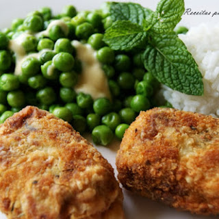 "Comfort Food ""Bom Petisco""/Tuna Patties with Peas in Butter and Mint."