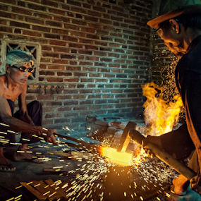 Making Keris by Mario Wibowo - People Professional People ( studio, yogyakarta, 2014, indonesia, mario wibowo, kelapa gading, trip, travel, tour, mwp )
