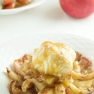 Slow Cooker Bloomin' Baked Apples.