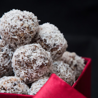Date, Almond and Coconut Truffles Recipe