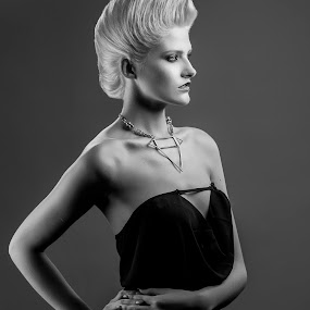 Uma by Martin Hill - People Fashion ( hair shots, studio photography, commercial photography )