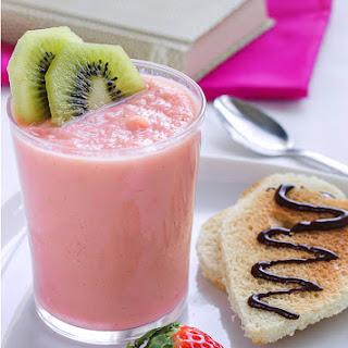 Valentine Strawberry Smoothie Recipe