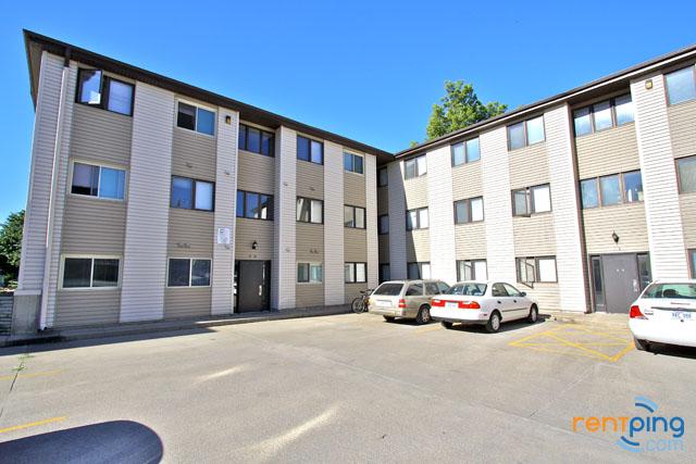 2222 r street in lincoln nebraska eden management for 2 bedroom apartments lincoln ne