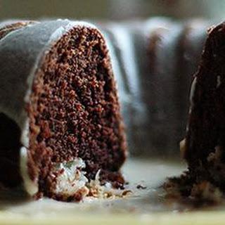 Chocolate Macaroon Tunnel Cake