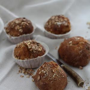 Small No Knead Muesli Bread Balls
