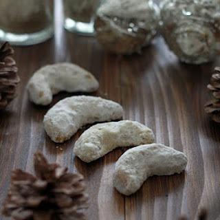 Vanillekipferl (austrian Vanilla Croissants)
