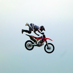 Stunt Rider by Richard Lawes - Novices Only Sports