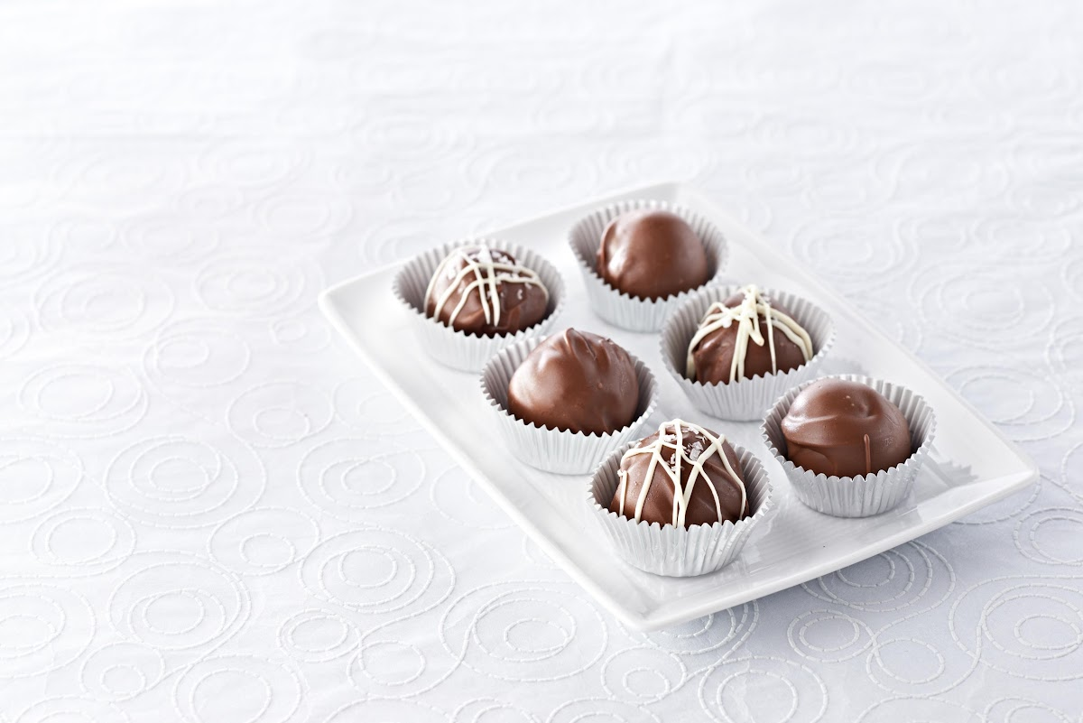 10 Best White Chocolate Truffles with Cream Cheese Recipes