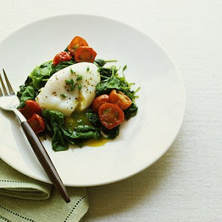Poached Eggs with Spinach and Tomatoes.