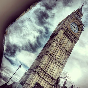 by Jonny Wood - Instagram & Mobile Android ( Bigben )