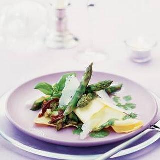 Ravioli gevuld met groene asperges en Manchego-kaas